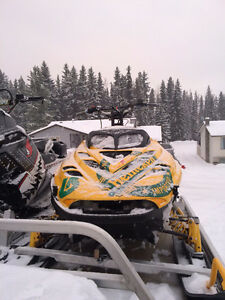 skidoo mxz 800 snowmobile