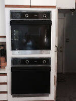 Hot Point Dual Wall Oven's in excellent working condition