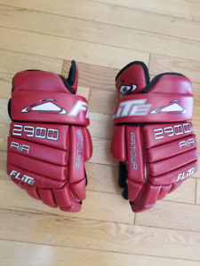 Adult Hockey Gloves