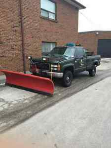 2000 GMC Sierra 2500 snow Plow and salter