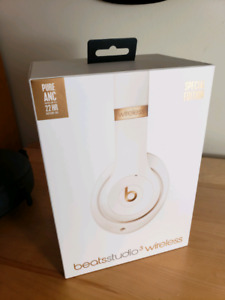 Beats by Dr. Dre Studio3 with Active Noise Cancelling