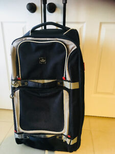 THE SHARPER IMAGE Suitcase