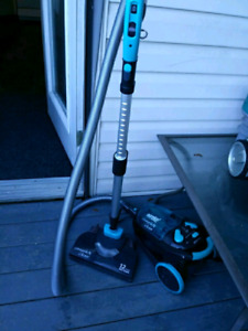 Eureka canister vacuum could use new filter but has one