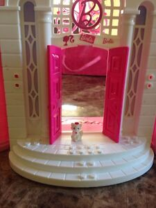 Barbie doll house London Ontario image 5
