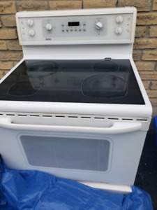 Amana fridge and Kenmore stove for sale 250 obo