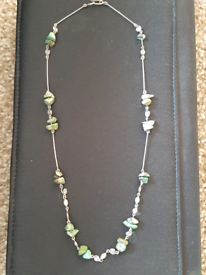 EDWARDIAN SILVER & TURQUOISE CHIP NECKLACE