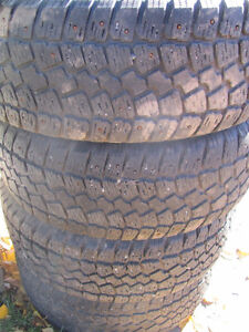 Set of 215/60R15 Tires, Studded, on Chev Rims; Very Good Tread Prince George British Columbia image 6