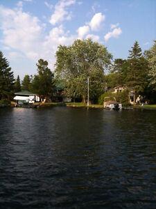 BEAUTIFUL STURGEON LAKE HOME / COTTAGE