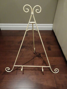 """Large Wrougt Iron Cream Colour Picture/Photograph Stand 27""""x24"""" Kitchener / Waterloo Kitchener Area image 1"""