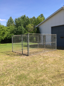 SOLDAN CHAIN LINK FENCE DOG KENNEL 10' X 14' X 6'