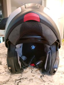 BMW System 6 Evo Flip-Up Helmet Silver metallic. SIZE 64/65