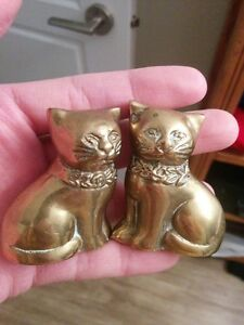 Two Super Cute Small Vintage Pair Of Matching Brass Cats