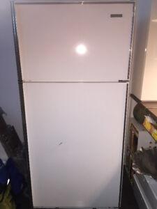 GREAT Kelvinator  fridge/freezer  for sale