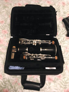 Yamaha YCL-450 Clarinet with Silver-Plated Keys + Accessories