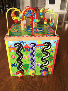 BUSY TOWN WOODEN ACTIVITY CUBE NEW CONDITION