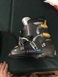 Selling HEAD skis with size 9 HEAD boots  Kitchener / Waterloo Kitchener Area image 4
