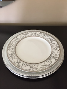 set of 4 dinner place settings