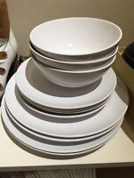Ikea white bowl, dishes for 4people