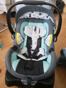 Safety 1st onBoard 35 carseat and base