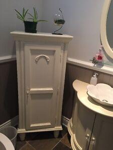lingerie articles salle de bain dans grand montr al petites annonces class es de kijiji. Black Bedroom Furniture Sets. Home Design Ideas