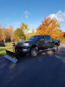 """2004 Ford Pick up w 7'6"""" Fisher Plow"""