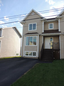 Beautiful & Spacious Semi-Detached Home (OPEN HOUSE MAY 1st)