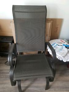 Chaise bercante à bille