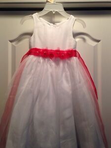 ALFRED ANGELO FLOWER GIRL DRESS - SIZE 5