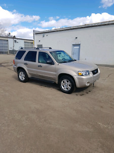 Great and Reliable AWD priced to SELL!