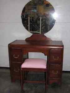Banc meubles dans drummondville petites annonces for Meuble coiffeuse maquilleuse