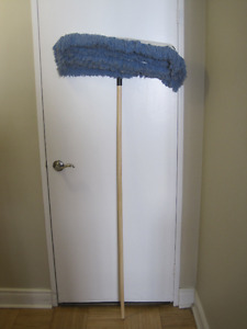 Mastercraft Dust mop   24 inches