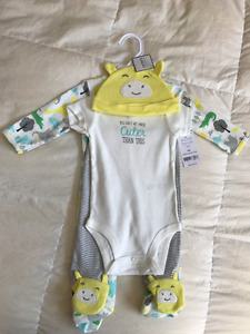 Brand new gender neutral 4pc outfit from Carters $20