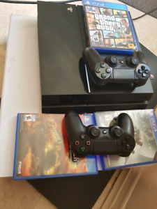 Ps4 1tb 3 disk games and 8 on console