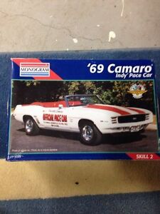 '69 Camaro Indy 500 Pace Car model Revell 1/25 Skill2 85-2459