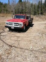1972 GMC 1 Ton With Dump Hoist