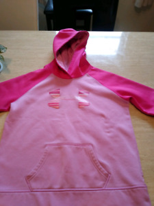 Girls Under Armour hoodie !!