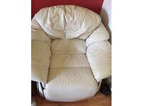 FREE WHITE LEATHER SINGLE SEAT SOFA
