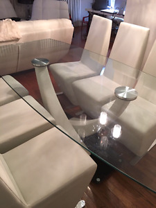 ***MUST SEE MOVING*** Modern Glass Leather Dinning Table Set