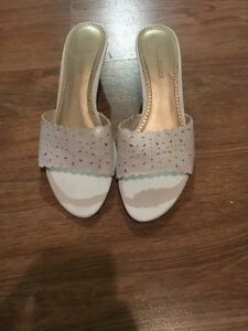 Cute small wedges! Size 6 10$ obo