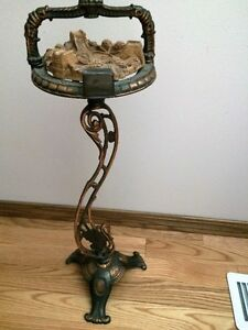 ASHTRAY STAND