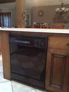 HOTPOINT DISHWASHER   Rarely used