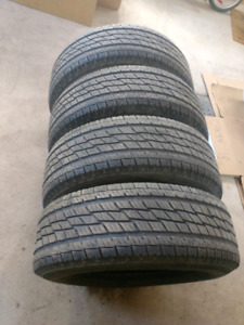 4 pneus ete Toyo open country HT 265/70r17