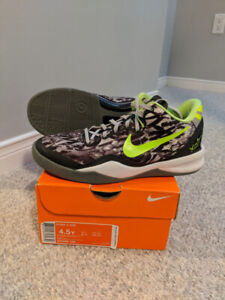 bbc2a846aa7039 Nike Kobe 8 VIII Graffiti Youth Sz. 4.5 GS 4.5Y
