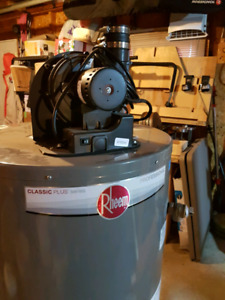 Gas hot water tank. BRAND NEW
