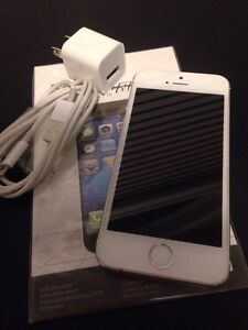 EXCELLENT CONDITION: White Apple iPhone 5S - 16GB - Rogers