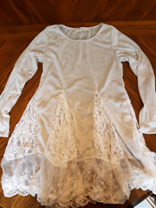 Light grey, white lace, size small