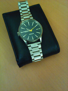 Men's Nixon watch sentry never be late 100m stainless steel 12 j