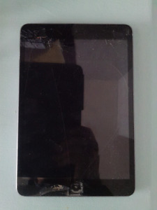 iPad mini with cracked screen
