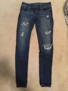 Size 2 American Eagle Distressed Jegging