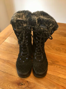 Almost new Sketches size 8.5 Ladies black waterproof snow boots
